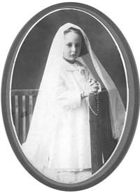 Gilberte Côté-Mercier first communion