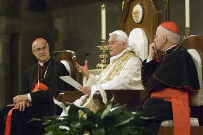 Benedict XVI answering questions