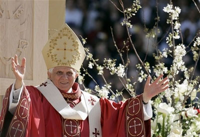 Benedict XVI at Nationals Stadium, Washington