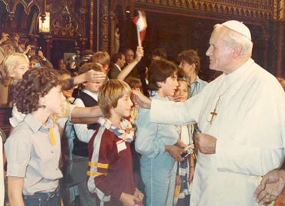 John Paul II Meeting young children at Notre-Dame Basilica