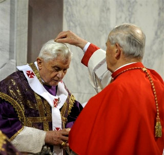 Benedict XVI receiving the ashes